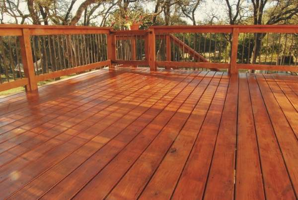 J&J Custom Painting & Restoration, Inc Deck Staining