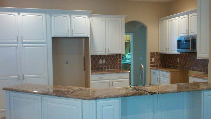 Cabinet refinishing in Lake Buena Vista FL